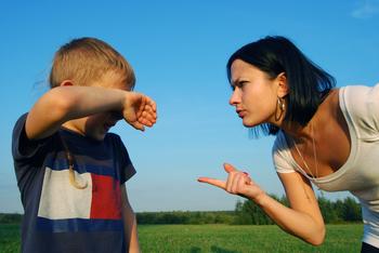 Почему нельзя кричать на ребенка до 4 лет