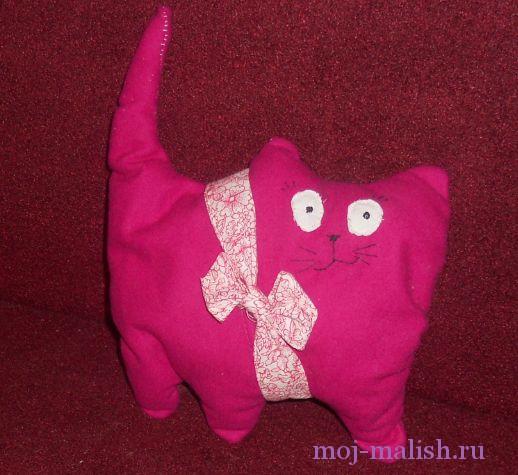 Подушка-кот своими руками готова