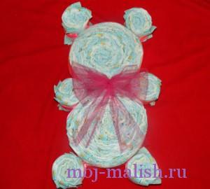 Подарок из памперсов своими руками готов