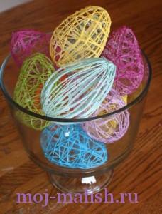 Декоративный шар из ниток на Пасху