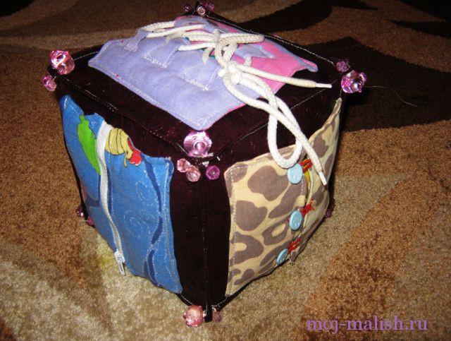 Детский развивающий кубик сшиваем
