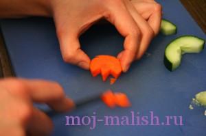 Делаем цветок из моркови