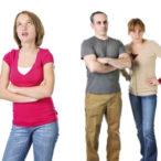 Почему подростки агрессивны к родителям