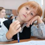 Почему ребенок невнимательный и как это исправить