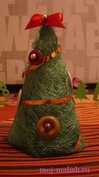 Новогодняя маленькая елочка